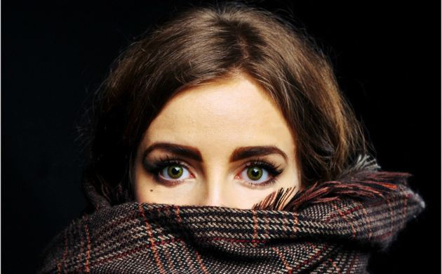 plaisirduplaisir plaisir eyes green scarf girl Le plaisir davoir beaucoup de chance