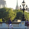 plaisirduplaisir paris tour eiffel girls bridge shopping